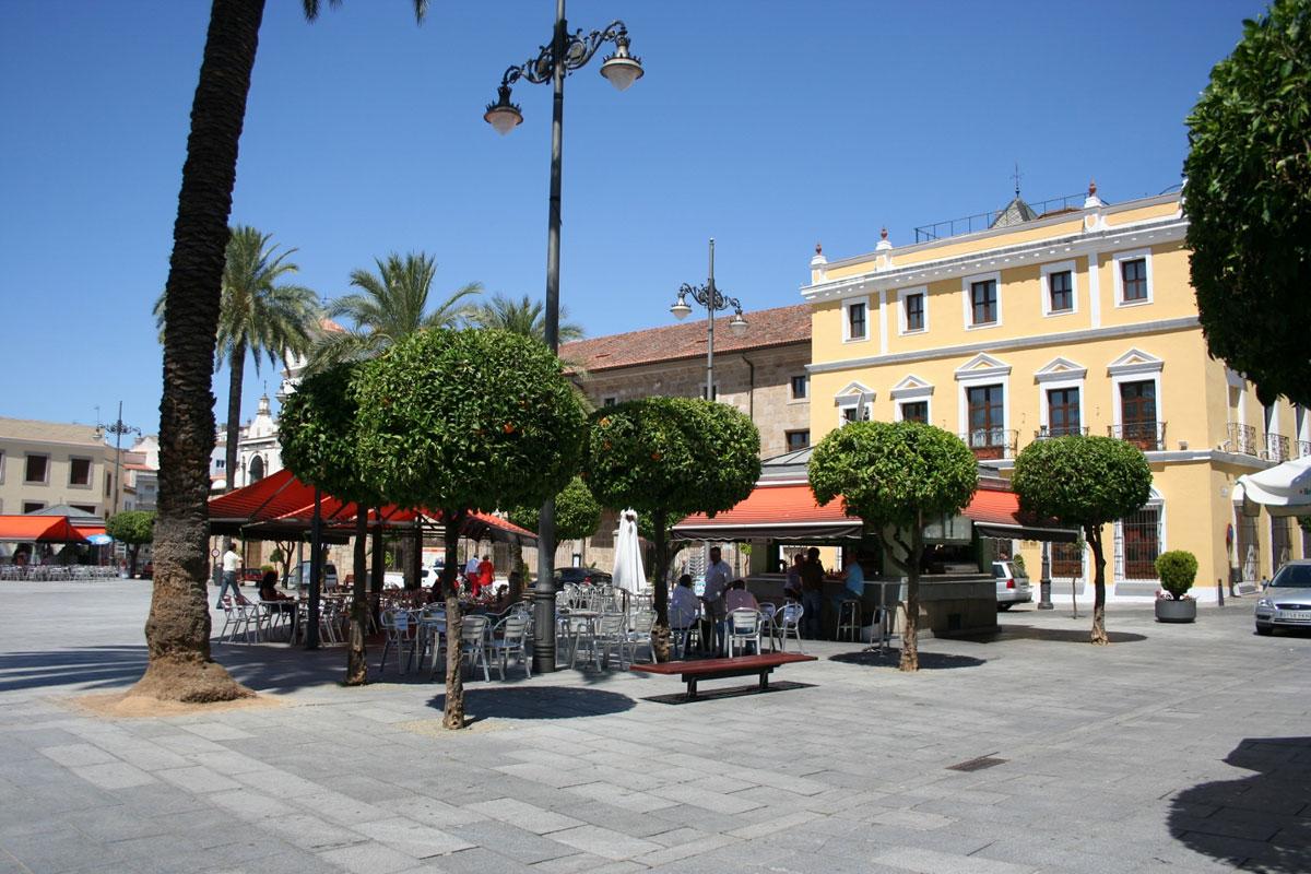 plaza-(1500x1000)-(1500x100
