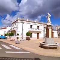 201210509 Paseo por la Arquitectura Tradicional en Casas de Don Pedro. Siberia de Extremadura
